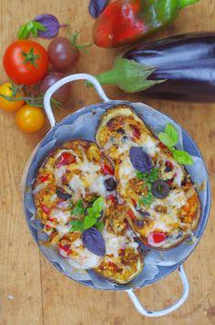 Így kerül a lecsó a padlizsánba - 100fok Vegetable Pizza, Quiche, Vegetables, Breakfast, Food, Morning Coffee, Essen, Quiches, Vegetable Recipes