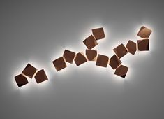 De Origami wandlampen van Vibia zijn een kunstwerk op de muur, een prachtige eyecatcher voor de tuin! #buitenverlichting #tuinverlichting #vibia #origami #eikelenboom #wandlampen