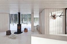Weekend Cabin: Virrat, Finland The white interior with huge windows looking into the snow give the illusion of being outdoors. Interior Exterior, Home Interior Design, Exterior Design, Log Cabin Homes, Scandinavian Home, Villas, Modern Architecture, House Design, Design Design
