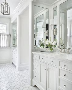 Cheap Home Decor .Cheap Home Decor Dream Bathrooms, Beautiful Bathrooms, Light Grey Bathrooms, White Master Bathroom, Small Bathrooms, Home Luxury, Master Bath Remodel, Master Bath Tile, Tub Remodel