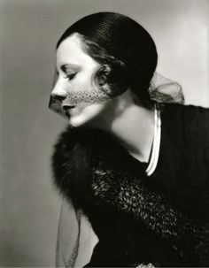 Irene Dunne 1932 - photo by Roman Freulich