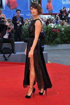 Gemma Arterton - Todos los looks del Festival de Venecia 2016