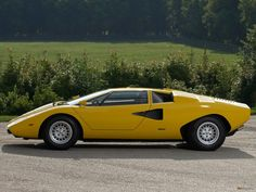 Yellow #Lamborghini #Countach