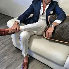 The Best Street Style Inspiration & More Details That Make the Difference Traje Casual, Smoking, Best Street Style, Pantalon Costume, Best Shopping Sites, White Trousers, Trousers Mens, Dapper Men, Men Street
