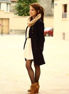 Wedge ankle boots with dress... interesting. Doubt I could pull it off though.