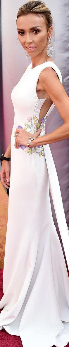 Giuliana Rancic wearing  Georges Chakra at the 2016 Oscars