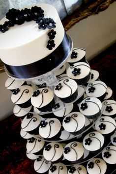 191 best Cake & Cupcakes - Black & White images on Pinterest in 2018 ...