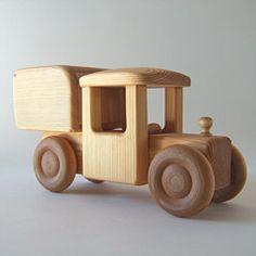 メルヒェン おもちゃのご紹介:北欧の車シリーズ