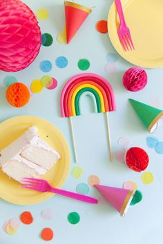 Make this ADORABLE rainbow cake topper in just a few minutes. Perfect for any rainbow or unicorn themed birthday parties Unicorn Themed Birthday Party, Rainbow Birthday Party, Rainbow Theme, First Birthday Parties, Birthday Party Themes, First Birthdays, Paper Flower Centerpieces, Birthday Cake Decorating, Partys