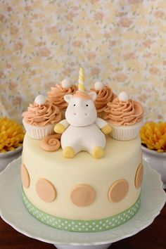 baby unicorn cake - uber cute