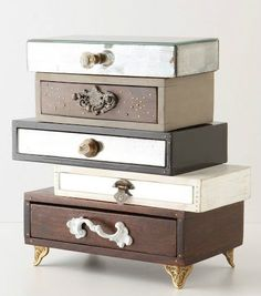 Anthro Topsy-Turvy Jewelry Box (diy with cigar boxes and knobs) Diy Makeup Storage, Storage Ideas, Organization Ideas, Closet Organization, Table Storage, Shoe Storage, Jewellery Storage, Jewellery Display, Jewellery Rings