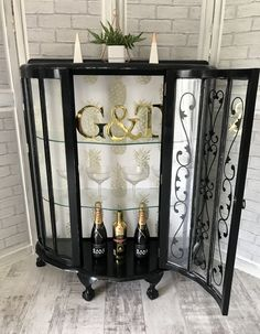 Beautiful Black & Gold Retro Glass Display Drinks/ Gin Cabinet And Bold Pineapple Print