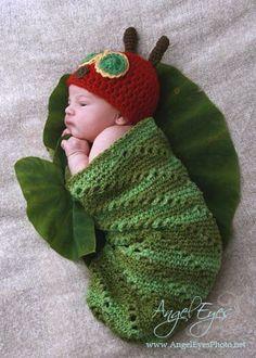 Very Hungry Caterpillar Hat and Cocoon Set por HappyBabyCrochet