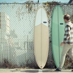 Photopoll: Surfing and life.