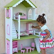 Купить или заказать Кукольный домик в интернет магазине на Ярмарке Мастеров. С доставкой по России и СНГ. Срок изготовления: от 7 до 14 дней. Материалы: фанера, акриловые краски. Размер: Высота 117 см, ширина 80 см,глубина 35 см