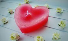 All you need is love ❤  Handmade candle Liebevolle Gastgeschenke für Ihren besonderen Anlass.