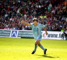 Jari Litmanen, AFC Ajax (1992–1999, 159 apps, 91 goals + 2002–2004, 20 apps, 5 goals). After a stint in England, the Finnish came back where he was a great : Amsterdam. Litmanen lived a 2nd spell at Ajax which lasted until 2004.