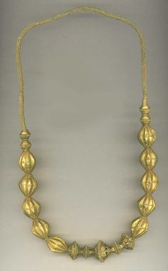 Rare granulated necklace from Suluwesi (archives sold Singkiang)