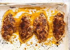 Overhead photo of Juicy Oven Baked Chicken Breast on a tray, fresh out of the oven Oven Baked Chicken, Baked Chicken Breast, Chicken Breasts, Crusted Chicken, Crispy Chicken, Recipetin Eats, Skirt Steak, Carne, Food To Make