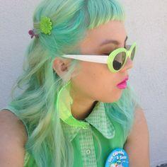 "daizylemonade: "" 🍏my new hair looks like sour apple candy😋🐢🐬🌴🐚🐳🍵🍏🌱 ✂️: ✨💖 "" Yellow Hair, Green Hair, Purple Hair, Harajuku, New Hair Look, Pastel Hair, Pastel Mint, Coloured Hair, Neon"