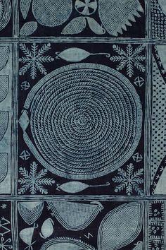Adire – Indigo Resist Dyed Cloth From Yorubaland, Nigeria - Victoria and Albert Museum Ethnic Patterns, Textile Patterns, Textile Design, Print Patterns, African Patterns, Japanese Patterns, Floral Patterns, Fabric Design, African Textiles