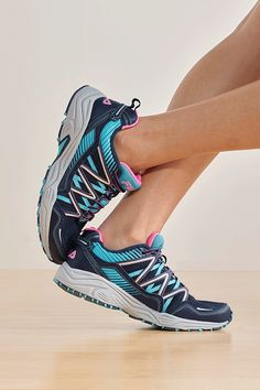 up to 40 off running shoes plus freeshipping on select styles footlockerrunning