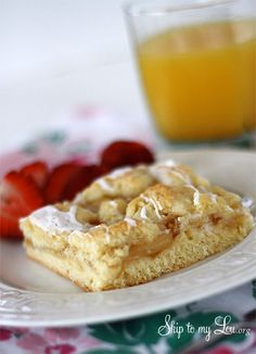 Easy apple Danish co Easy apple Danish coffee cake recipe. Perfect for breakfast or brunch a pot luck or even dessert. We make this when we are expecting company and it never fails Semi Homemade Cake Recipe, Homemade Cakes, Easy Desserts, Dessert Recipes, Potluck Recipes, Dinner Recipes, Apple Coffee Cakes, Apple Cake, Apple Danish