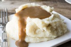 With this simple recipe for Perfect Gravy Without the Bird, you can have thick rich homemade gravy any day of the week! Check out my secret ingredient...