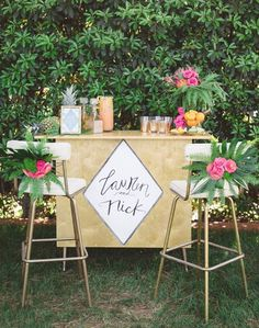 tropical bridal shower drink bar / http://www.deerpearlflowers.com/tropical-bridal-shower-ideas/