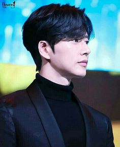Let me take a breath Asian Celebrities, Asian Actors, Korean Actors, Blood Korean Drama, Asian Men Hairstyle, Kpop Hairstyle, Beautiful Boys, Beautiful Pictures, Park Hye Jin