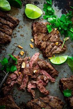 grilled thai coconut lime skirt steak A few tricks to have juicy flavorful grilled skirt steak. This coconut lime marinade gives the grass fed beef thai flavors. Skirt Steak Recipes, Easy Steak Recipes, Grilling Recipes, Beef Recipes, Cooking Recipes, Beef Meals, Thai Recipes, Grilled Skirt Steak, Low Carb Dinner Recipes