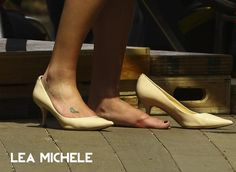 feet69.com Foot Fetish Pics mixed up with celebrity feet