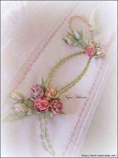 34 Ideas For Embroidery Fashion Diy Silk Ribbon Embroidery Leaf, Silk Ribbon Embroidery, Embroidery Fashion, Hand Embroidery Patterns, Cross Stitch Embroidery, Embroidery Designs, Diy Ribbon Flowers, Ribbon Art, Fabric Flowers