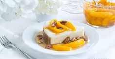 Peach Preserves Cheesecake Topping With Toasted Pecans. Whip up this special summertime topping featuring peaches and pecans for Biltmore Estate's Vanilla Bean Cheesecake. Creme Brulee Cheesecake Bars, Vanilla Bean Cheesecake, Cheesecake Toppings, Cheesecake Recipes, Dessert Recipes, Just Desserts, Delicious Desserts, Yummy Food, Cake Receipe