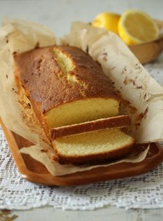Formkake med sitron - krem.no Danish Cake, Norwegian Food, Biscuit Cake, Bread Baking, Beautiful Cakes, Banana Bread, Muffins, Food And Drink, Cooking Recipes
