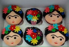 these Frida cupcakes! Pretty Cakes, Cute Cakes, Beautiful Cakes, Mexican Birthday, Mexican Party, Love Cupcakes, Cupcake Cookies, Mexican Cupcakes, Fondant Cupcakes