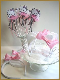 """Hello Kitty"" Favor Set Image"
