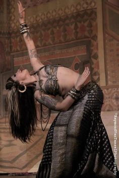 Kami Liddle - I think this is my dream belly dance outfit...