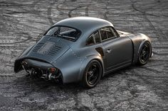 Emory Porsche 356 RSR Coupe The 356 RSR started in 2012 when founder Rod Emory had an idea - combine the 356 with arguably the greatest 911 made, the Two years later, a call from MOMO chairman Henrique Cisneros got the project rolling. Porsche 911 Rsr, Porsche Autos, Porsche Cars, Porsche 356 Outlaw, Ford Motor Company, Chevy, Automobile, Maserati, Lamborghini