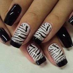 http://www.nailsdesigns.co.uk/nails-designs_008/