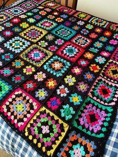 Sublime Large Crochet Black GRANNY SQUARES Dolly Blanket    #grannysquares #crochet #häkeln #virka #unicetto #yarn #pixel #blanket #decke