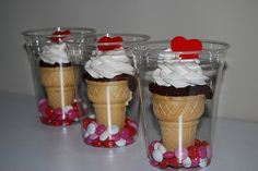 Ice cream cone cupcakes in plastic cup. In charge of treats for Valentines Day at school. I think these will be a big hit! Valentines Day Treats, Holiday Treats, Holiday Recipes, Valentine Cupcakes, Valentine Party, Valentine Nails, Birthday Treats, Birthday Cupcakes, Halloween Treats