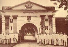 Depan Benteng VICTORIA di Ambon