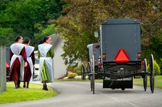 AMISH DISCOVERIES: Amish Heading to Church Service