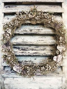 How To Select Little One Dresses Couronne Shutter Doors, Burlap Lace, Gypsophila, Decoration, Grapevine Wreath, Diy Crafts, Shutters, Arts, Simple
