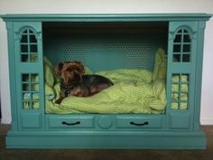21 Really Cool Pet Beds Made From Old Electronics---Watch out craigslistings:)