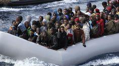 Muchos personas de Africa Norte quiere escapar Africa y van a Italia. Es un viaje muy dificil y ilegal.