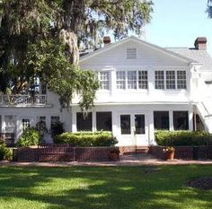 The Estate House At Cypress Grove In Orlando Florida Is A Gorgeous Lakefront Wedding Venue