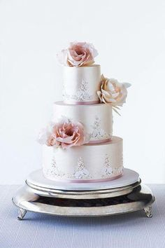 Beaded lace cake by Faye Cahill Cake Design via Bride to Be Magazine