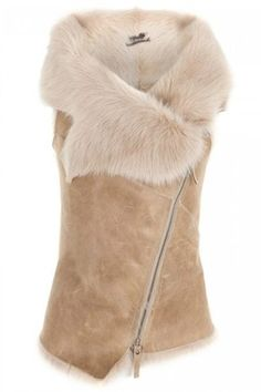 Celebrities who wear, use, or own Karl Donoghue Toscana Lambskin Gilet. Also discover the movies, TV shows, and events associated with Karl Donoghue Toscana Lambskin Gilet. Profile Photo, Womens Fashion, Style Fashion, Fur Coat, My Style, Celebrities, Blazers, How To Wear, Jackets